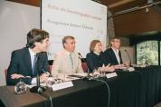 D'esquerra a dreta, Josep Maria Martorell, director associat del Barcelona Supercomputing Center. (BSC), Germán Ramón-Cortés, president de la Fundació Catalunya-La Pedrera, Marta Lacambra, directora de la Fundació, i Lluís Farrés, director de Coneixment i Recerca de la Fundació.