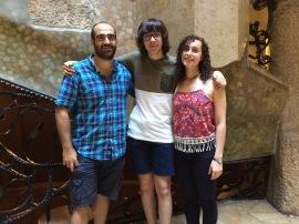 Joel Romero i els seus tutors de Joves i Ciència Ignasi Pérez-Ràfols i Laia Casamiquela